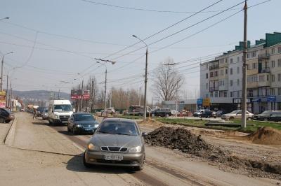У Чернівцях частину вулиці Хотинської перекриють: кому дозволений проїзд