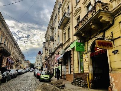 Ще одну вулицю у центрі Чернівців хочуть зробити пішохідною: що відомо