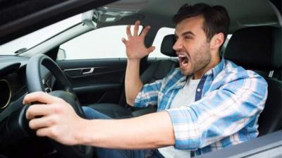 Сів за кермо – увімкни мозок: 10 водіїв, які забули це зробити