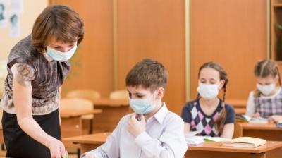 Чи повернуться діти за парти: у школах Чернівців сьогодні визначаться, коли відновити навчання