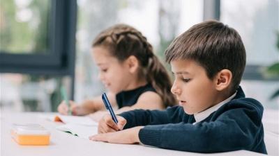 Стало відомо, коли школи Чернівців можуть відновити навчання