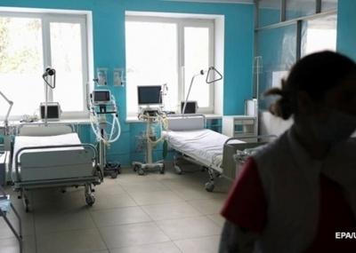 До лікарень Буковини з ковідом госпіталізували більше півсотні пацієнтів