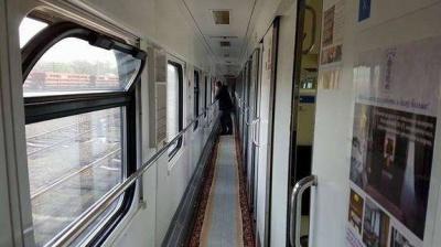 Чим доїхати на Буковину: Укрзалізниця відновила рух потягів до Чернівців