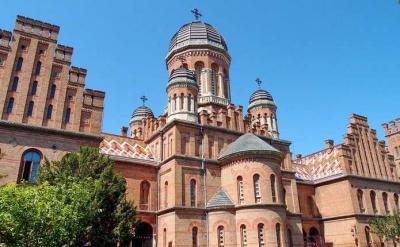«Суспільне» не транслюватиме Великдень із церкви в Чернівецькому університеті: не дали погодження