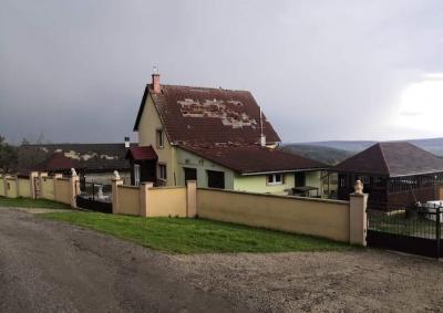 Поблизу українського кордону помітили торнадо – фото