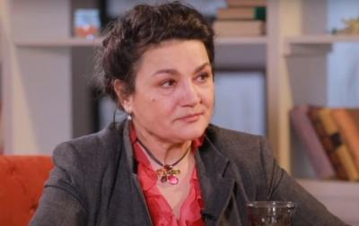 «Вона не працює, а просто живе на світі»: Наталія Сумська змушена утримувати 38-річну дочку