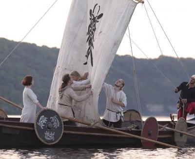 Бойовий корабель вікінгів: у парку Чернівців проведуть історичну реконструкцію