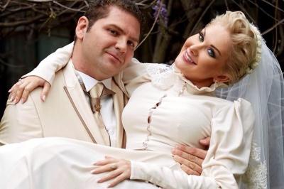 Співачка з Чернівців відзначила сьому річницю весілля – фото
