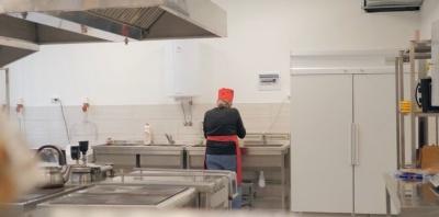 Без м'яса та молока: у дитячій лікарні в Чернівцях не вистачає грошей на харчування