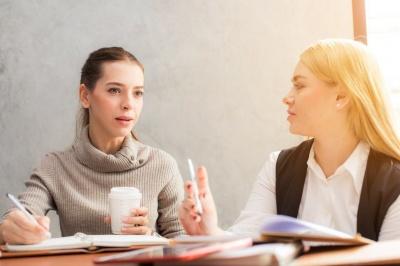 Незручне мовчання під час спілкування: способи, які допоможуть його уникнути