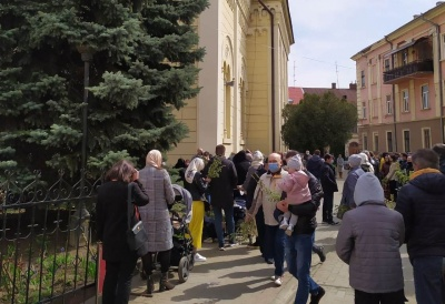 Лікар прогнозує загострення ковід-ситуації на Буковині уже через два тижні після Великодня