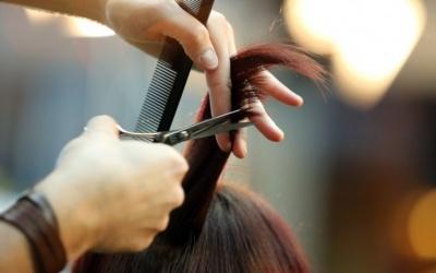 У які дні тижня варто уникати стрижки волосся