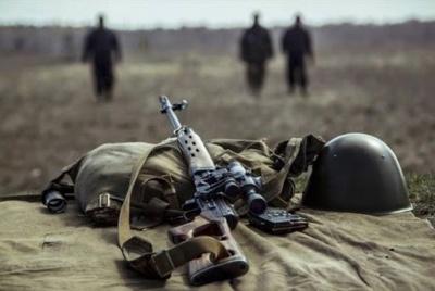 На Донбасі підірвався автомобіль з українськими військовими: один боєць загинув, ще троє поранені
