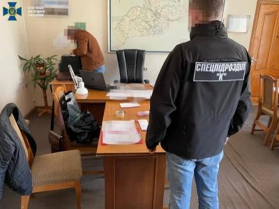 У Чернівцях заарештували посадовця ОДА, який підозрюється в хабарі 600 тис грн