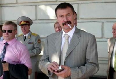 «Колеги» Киви: у 18 нардепів ОПЗЖ виявили наукові ступені, серед них – і депутат з Буковини
