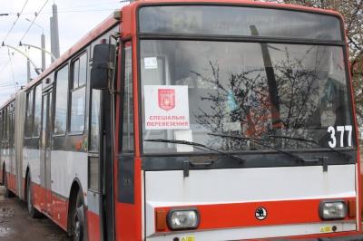 Стало відомо, як у Чернівцях тролейбуси курсуватимуть на Великдень