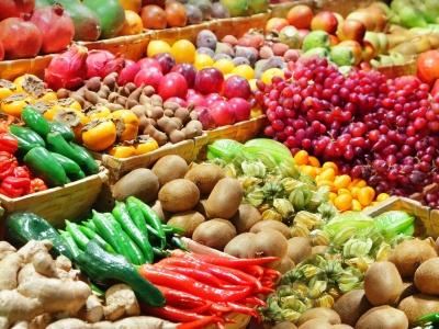 З яких причин вживання ранніх весняних овочів і зелені є небезпечним для здоров'я