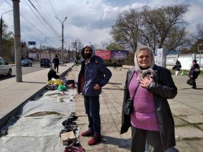 «Як ми без нього виживемо?!»: репортаж із «блошиного» ринку у Чернівцях - фото
