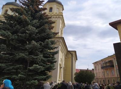 Як не підхопити коронавірус на Великдень: настоятелі храмів у Чернівцях розповіли про заходи безпеки