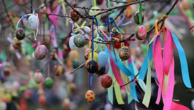 До церкви – з парасолею: погода на Буковині на Великдень