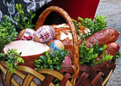 Коли на Великдень у храмах Чернівців святитимуть паски: розклад богослужінь