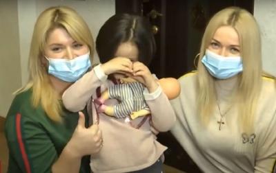 5-річна українська Рапунцель продала свої коси, щоб допомогти онкохворому хлопчику – відео