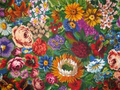 «Килим має п'ять метрів»: майстриня з Буковини виткала пів тисячі килимів