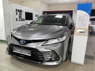 У квітні українці придбали втричі більше нових автівок, ніж торік