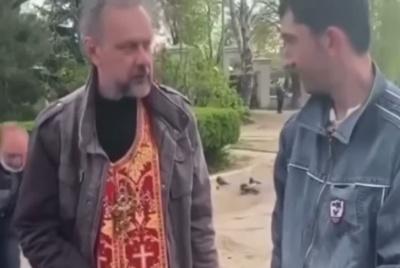 Помічник священника попався на крадіжці грошей: відео «підірвало» мережу