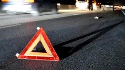 Нічна ДТП у Чернівцях: п'яний водій врізався у відбійник