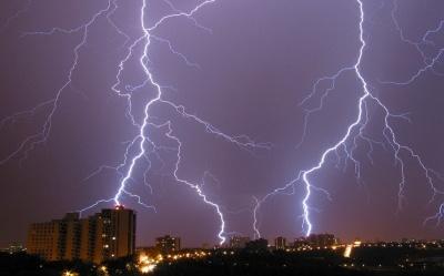 На Буковину насуваються грози: коли очікувати на погіршення погоди
