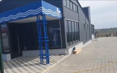 У селі на Буковині підприємець відкриває сучасний басейн – відео