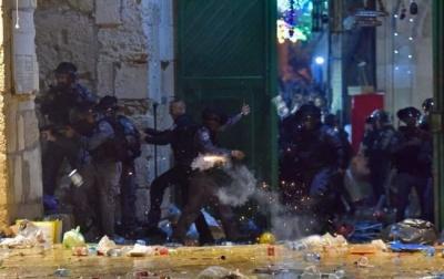 Понад двохсот осіб постраждали в зіткненнях поліції з палестинцями в Єрусалимі