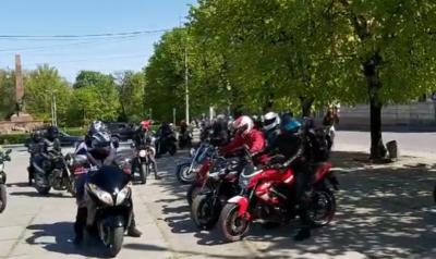 У Чернівцях байкери відкрили мотосезон – відео