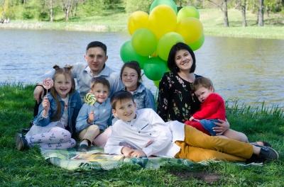 Матерями-героїнями на Буковині стало 77 жінок