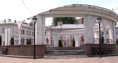 З кожним роком виглядає все гірше: фонтан на площі Пресвятої Марії не відремонтують