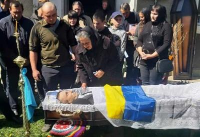 На Буковині пішов з життя учасник АТО, йому було лише 44 роки