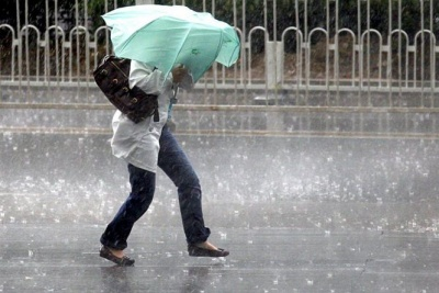 На Буковину насуваються зливи та грози: коли очікувати на погіршення погоди