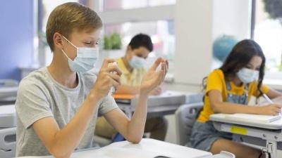 На Буковині коронавірусом хворіє 65 вчителів