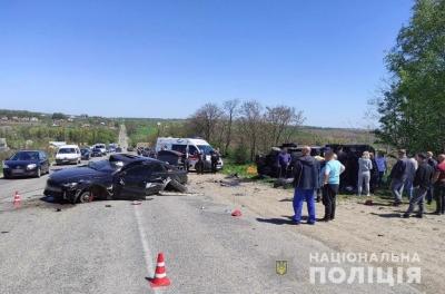18-річний водій перевищив швидкість: у поліції повідомили подробиці потрійної ДТП на Буковині