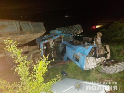 Перекинувся трактор: у жахливій аварії на Буковині загинула 6-річна дитина