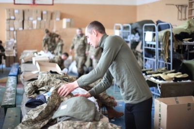 Анекдот дня: про армію і ліжко