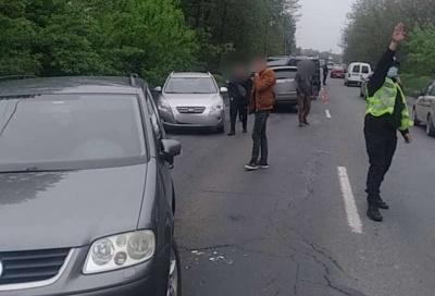 У Чернівцях сталася ДТП із чотирма авто: при в'їзді в місто утворилися затори