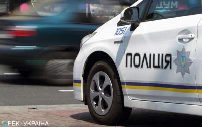 Полісмени під час виїзду на виклик застрелили чоловіка, який напав на них з ножем