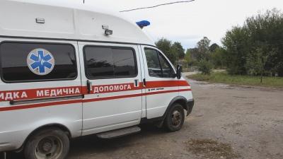 На Буковині 2-річний хлопчик випав з вікна другого поверху: дитина у важкому стані