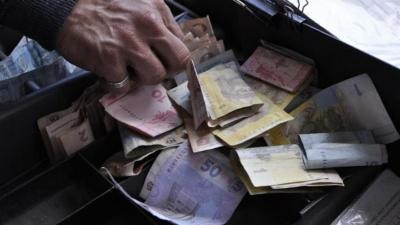 У тролейбусах Чернівців хочуть відмовитись від оплати проїзду готівкою