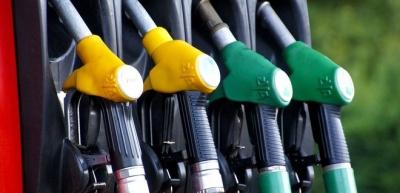 Уряд підвищив граничну ціну літра бензину та дизпалива