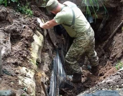 Через дощі у військових обвалився бліндаж: волонтери з Чернівців збирають допомогу