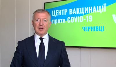 Осачук закликав буковинців вакцинуватись на Калинівському ринку і в «Юності Буковини»