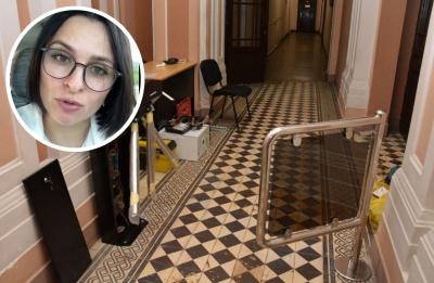 «Ніхто не буде мати перешкод»: посадовиця емоційно відреагувала на критику щодо турнікету в ратуші Чернівців
